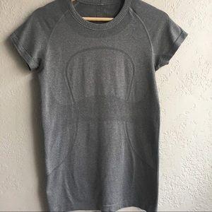 LULULEMON 8 grey short sleeve